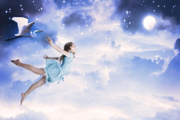 Mơ bị ngã, hụt chân trong giấc mơ có ý nghĩa gì?