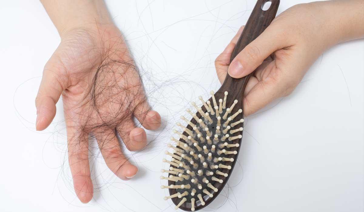 Mơ thấy cắt tóc, rụng tóc đánh con gì?