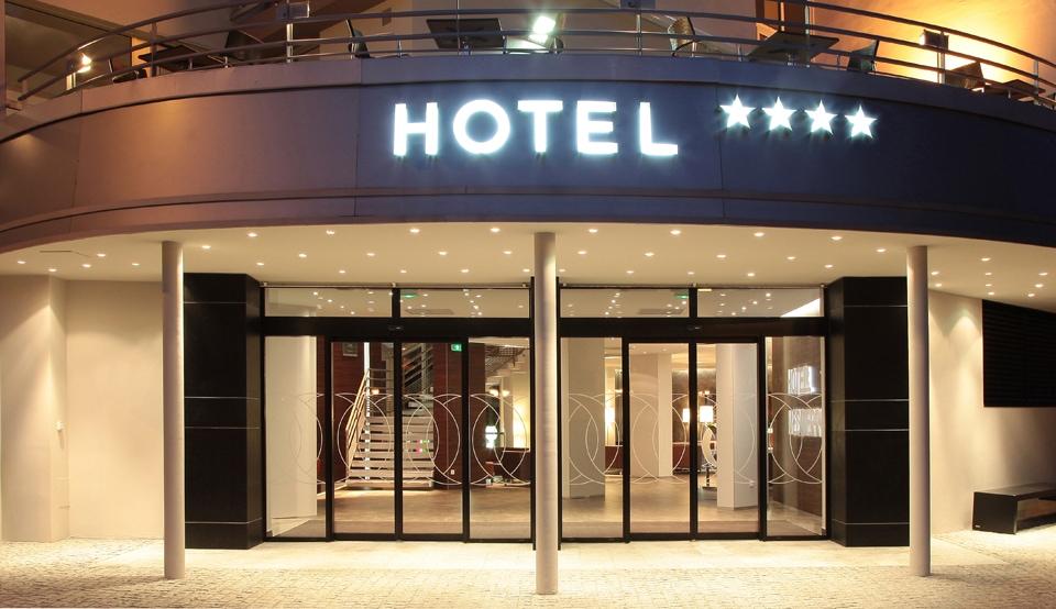 Nằm mơ thấy khách sạn, nhà nghỉ điềm báo gì, lành hay dữ?