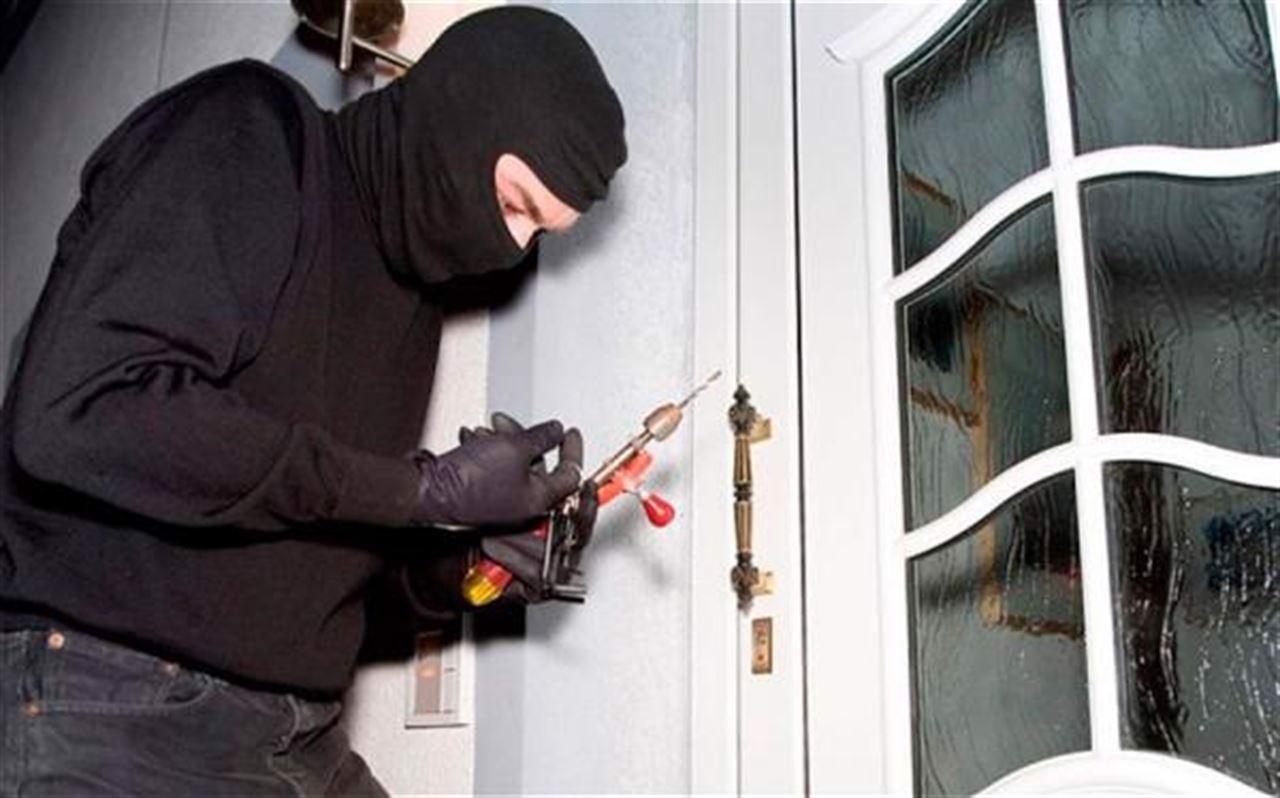 Nằm mơ thấy kẻ trộm ăn trộm có ý nghĩa gì? Điềm báo gì?